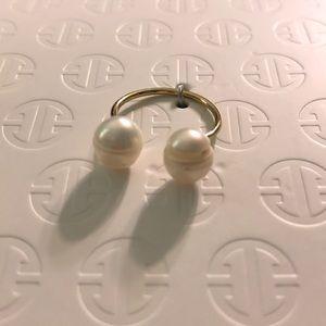 Erth Tu y Yo (you & I) pearl & gold ring